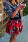 Orange-floral-abercrombie-and-fitch-skirt-navy-gingham-gilly-hicks-shirt