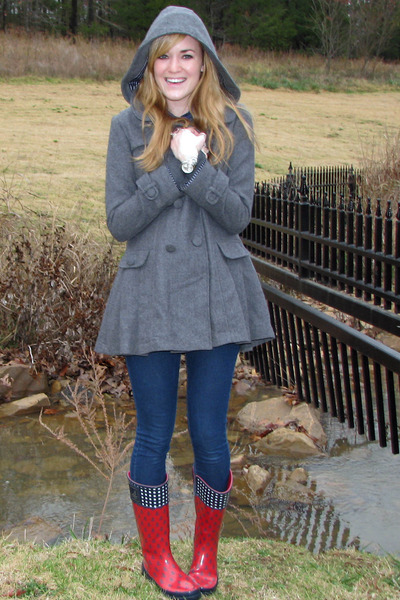 red rain sperry boots - heather gray Forever21 coat - navy Forever21 jeans