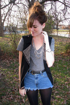 silver Forever21 necklace - heather gray Forever21 shirt - black wal-mart tights