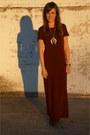 Black-thrifted-vintage-boots-crimson-forever-21-dress
