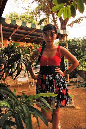 top - belt - skirt