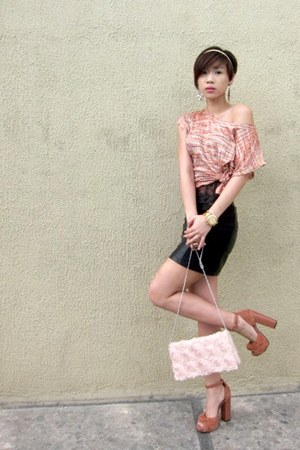 salmon cropped Forever21 top - light pink H&amp;M purse