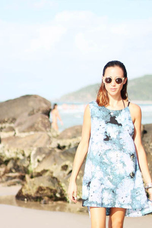 sky blue staple dress