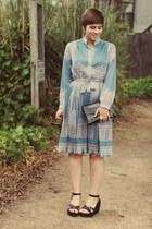 vintage dress - vintage purse - thrifted wedges