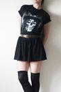 Black-t-shirt-black-skirt-black-socks-black-shoes
