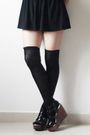 Black-t-shirt-black-skirt-black-socks-black-shoes