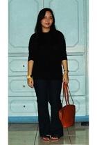 t-shirt - jeans - shoes - purse