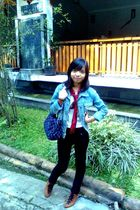 white t-shirt - red scarf - blue jacket - black jeans - brown boots - blue Chane