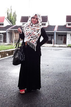 black bag - teddy bears scarf - red Vincci wedges - belt - cardigan