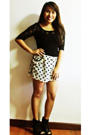 black Zara top - white Topshop shorts - black virtualmaemultiplycom shoes