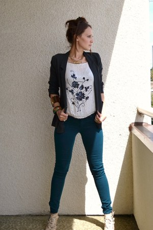 ivory vintage blouse - teal Just USA Jeans jeans - black H&M jacket