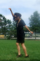 Gap dress - Marc Jacobs sunglasses - franco sarto shoes - flea market necklace