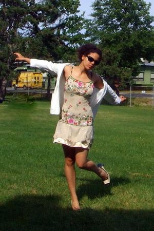 white spring 2005 ann demeulemeester blazer - beige Nine West shoes