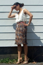 beige ruffled Juicy Couture blouse - brown Armani Exchange sunglasses