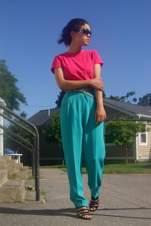 gray thrifted belt - black Sofft shoes - black Betsey Johnson sunglasses