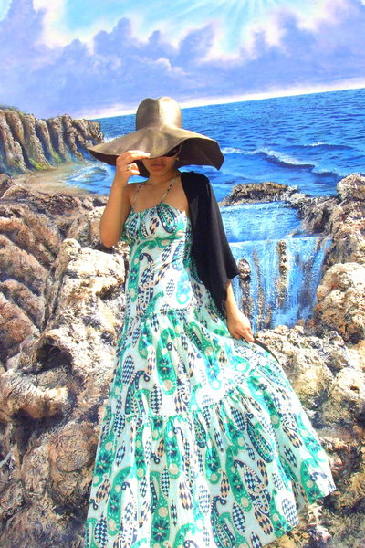Filippo Catarzi hat - NY&CO scarf - BCBG dress - Sofft shoes