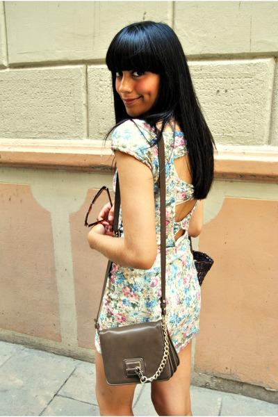 floral lace Zara dress - brown Zara bag - brown basket vintage bag