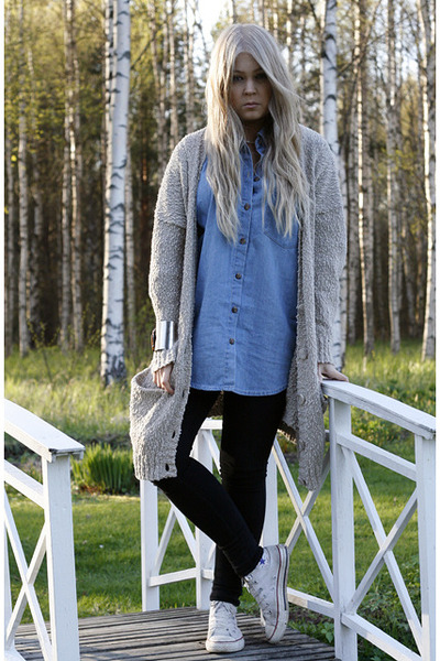 beige Monki cardigan - black Dr Denim jeans - sky blue denim Monki shirt