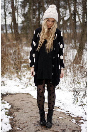 black H&M cardigan - black weekday boots - ivory H&M hat - black H&M tights