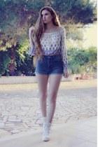 Mango shorts - H&M blouse - Primadonna sneakers