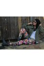 Floral-h-m-tights-combat-guess-boots-camo-thrifted-jacket