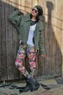 Combat-guess-boots-camo-thrifted-jacket-floral-h-m-tights