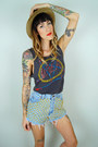 Charcoal-gray-slayer-vintage-t-shirt-blue-vintage-cut-off-levis-shorts