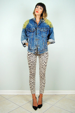 blue acid wash levis noirohio vintage jacket - beige leopard Topshop jeans