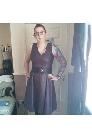 faux leather Dorothy Perkins dress - Primark belt