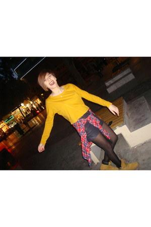 black Zara shorts - orange Timberland shoes - ruby red zipi zape shirt
