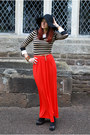 Light-brown-ff-dress-black-ff-hat-red-river-island-skirt-white-ff-top