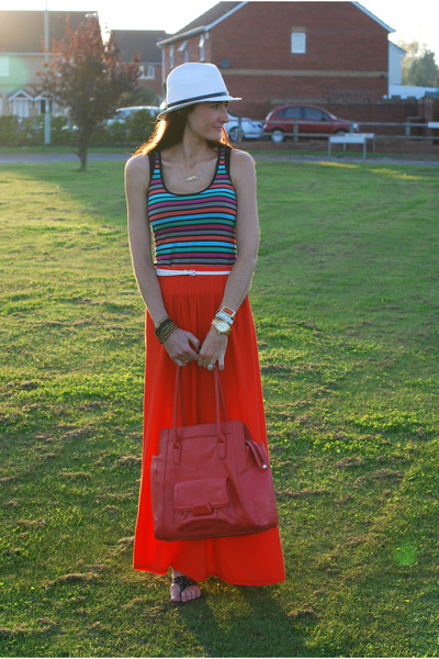 red River Island skirt - white asos hat - ruby red J by Jasper Conran bag