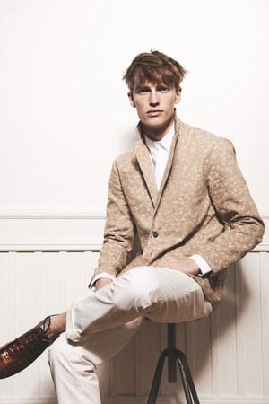 printed blazer - chino pants