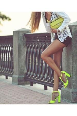 unknown unknown brand heels