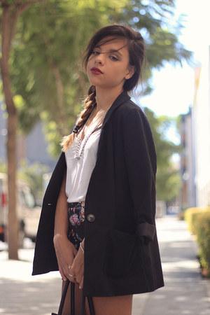 eggshell H&M shirt - black H&M blazer - black floral print Stradivarius shorts