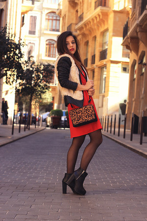 red H&M dress - black Vero Moda jacket - burnt orange Stradivarius bag