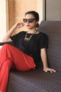Red-pants-black-top-black-stradivarius-heels-gold-h-m-necklace