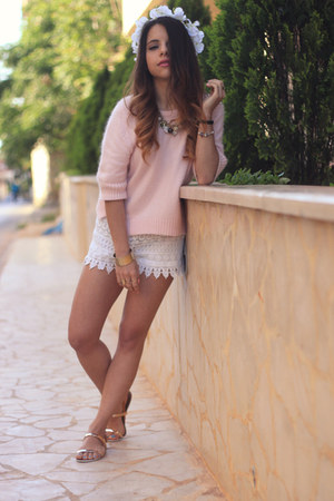 white H&M shorts - light pink Topshop sweater - gold Zara sandals
