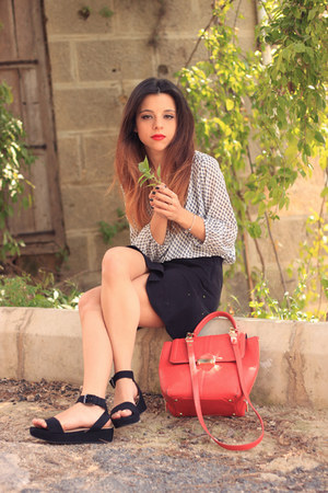 black H&M skirt - red Topshop bag - H&M blouse - black Zara sandals