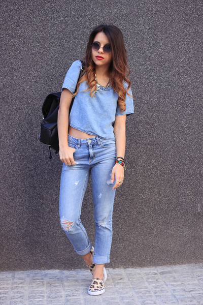 sky blue H&M top - light orange H&M shoes - sky blue pull&bear jeans