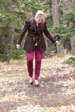 eggshell knit ruffle downeast shirt - dark brown platform Report shoes