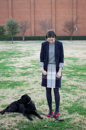 navy Mossimo skirt - heather gray Gap sweater - red heels