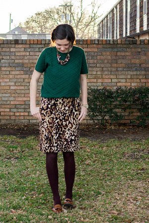 brown Mossimo skirt - dark green sweater
