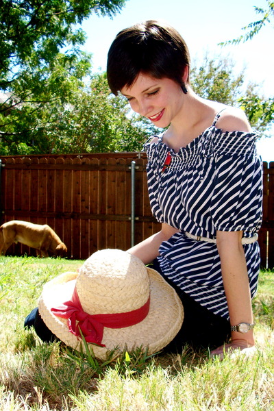 red hat - navy blouse - white belt
