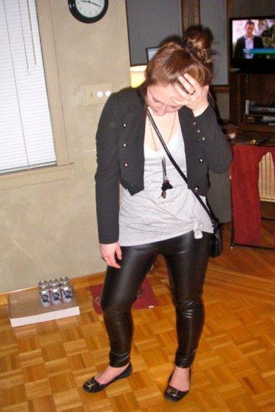 black Zara leggings - gray shirt - black Forever 21 jacket - black Forever 21 ac