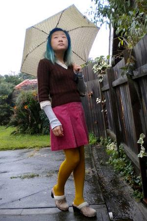 brown sweater - pink skirt - gold Pamela Mann tights - beige Union Bay shoes