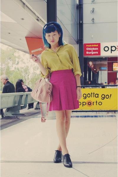 yellow vintage shirt - light pink bag - black oxford Alchemy heels - hot pink vi