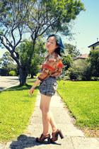 burnt orange blouse - heather gray Uno Shimada shorts - dark gray belt - tawny J