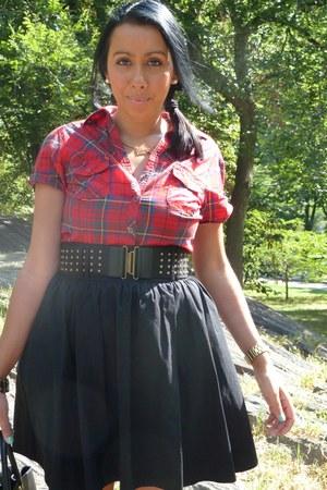 Matalan shirt - H&M skirt - Prada bag - YSL ring - House of Harlow 1960 ring - M