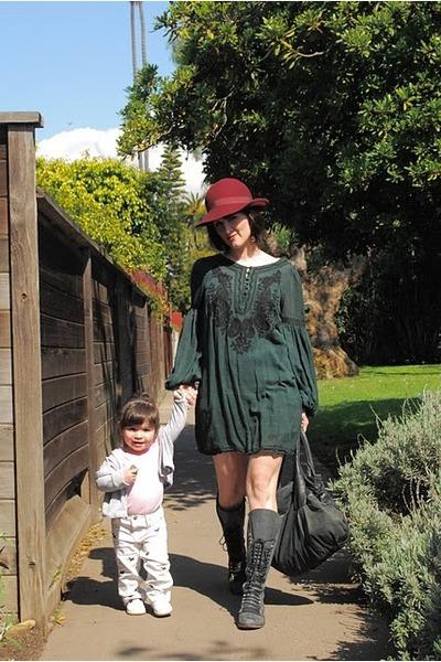 asesinato Fiel Comercialización  Perrin Steve Madden Boots, Vintage Dress Dresses, Vintage Hats |